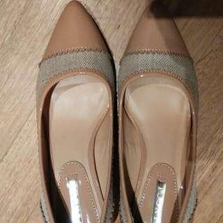 Preloved Vinnci Shoes