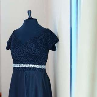 Black Gown - RENT