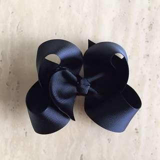 Black hair bow / black bow / Hair Bow / Hair ribbon