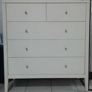 Drawer / Dresser Minimalis