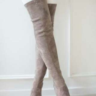 Boots any design size 40 to 41
