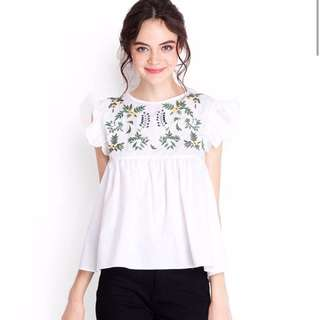 White Floral Embroidery TOP (Free Mailing)