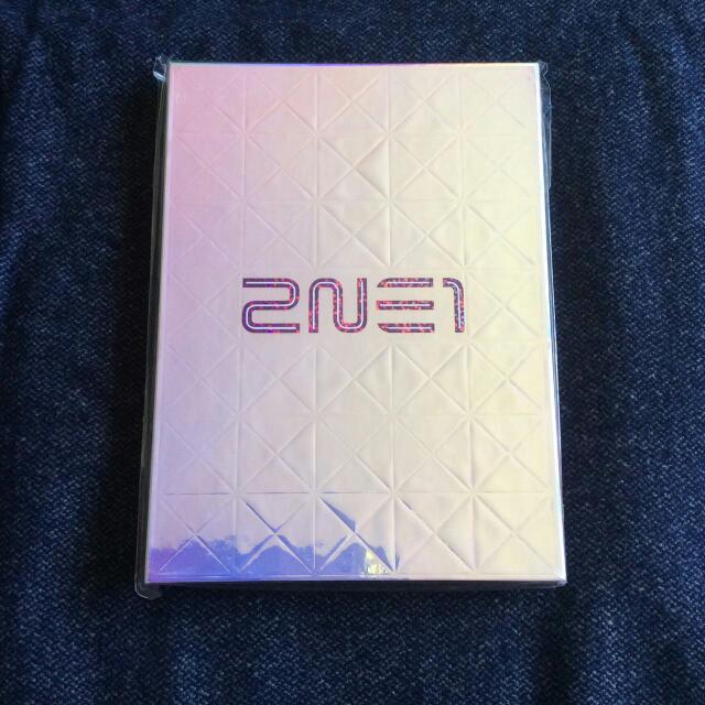 2NE1 - 1st Full Album (Korean Ver.)