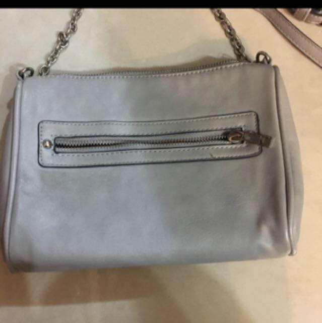 灰色 小包包