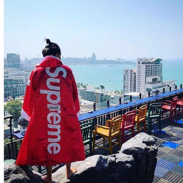 🔴🥊 Supreme / Everlast Satin Hooded Boxing Robe Red ( HK AAA )
