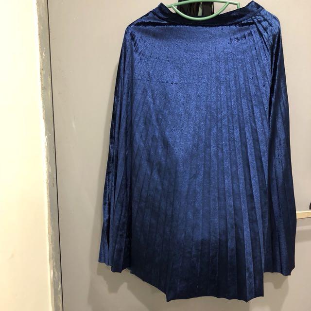 藍色絨布材質長摺裙(AA)
