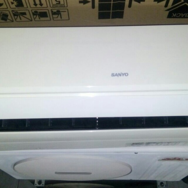 AC sanyo 1/2pk low watt