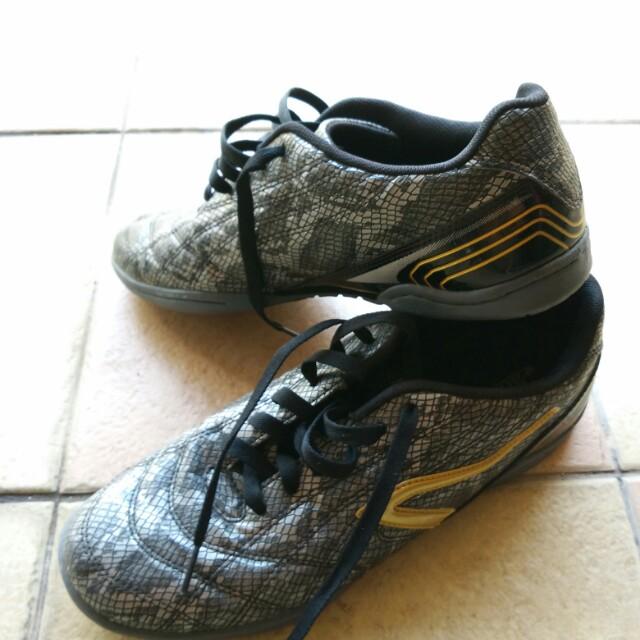 59952c692 Breaker Snakes Futsal shoes
