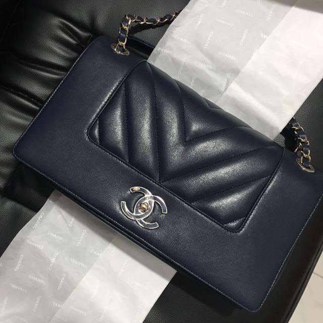 365d5614b288 Chanel mademoiselle chevron flap bag, Women's Fashion, Bags ...