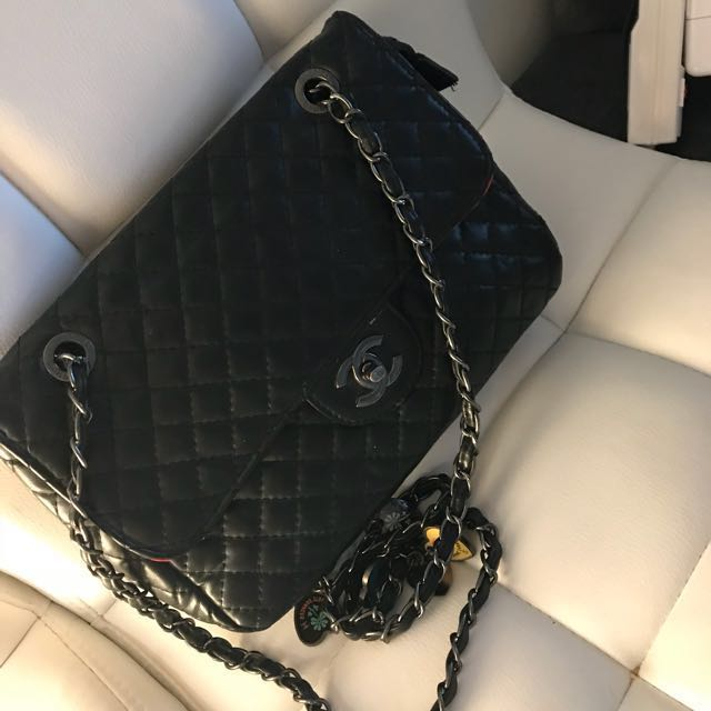 Chanel (non Authentic)bag bought from Dubai Paid $300 +Tax asking $110