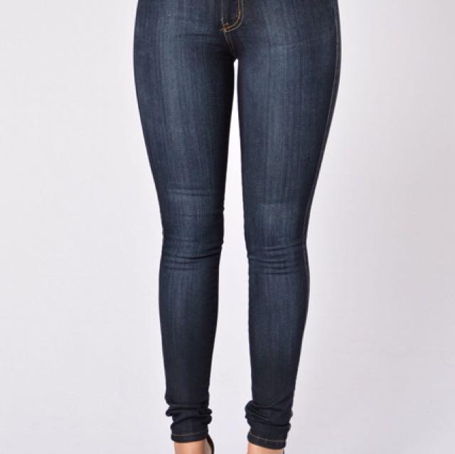 Dark blue mid-rise Fashion Nova jeans