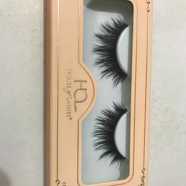 House of Lashes in ALLURA LITE - 2 pairs available for sale