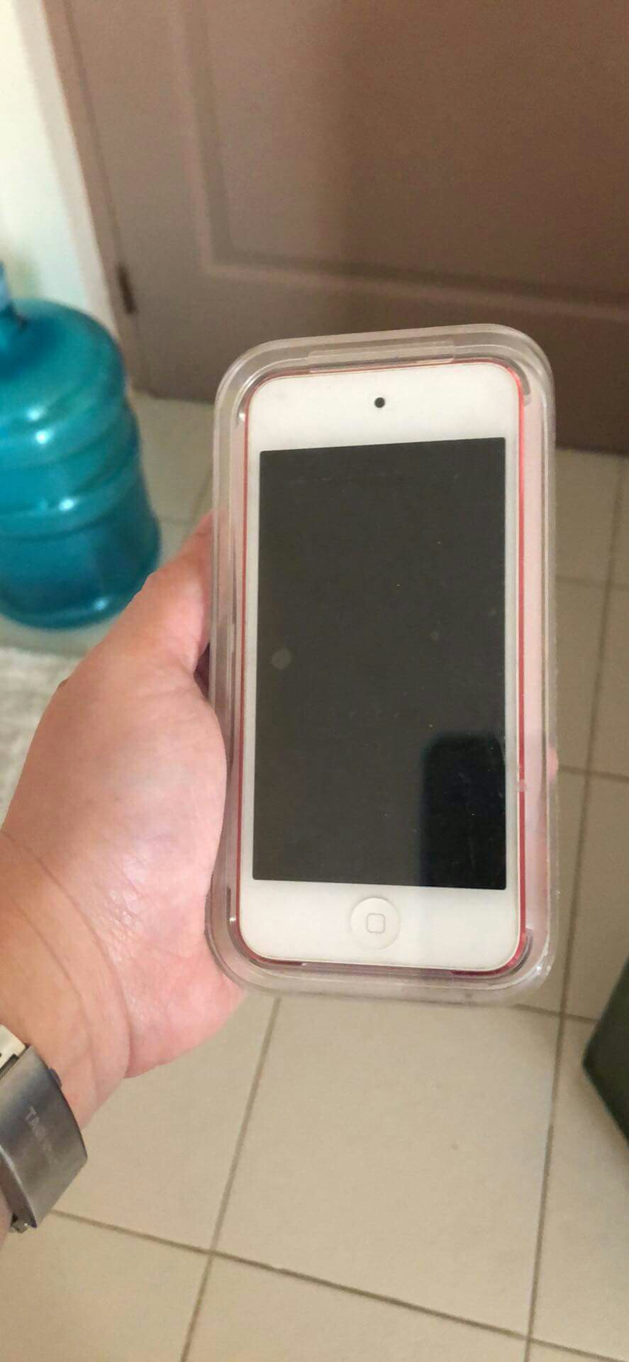 Hot pink Itouch 5th generation 32gb