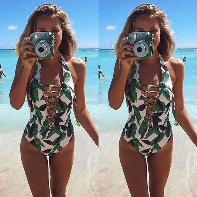 Leaf-printed one piece swimsuit
