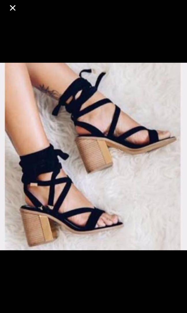Lipstik sandals