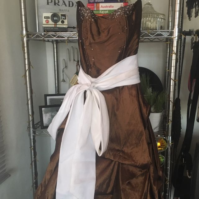 Long Gown/ Formal/ Prom Dress