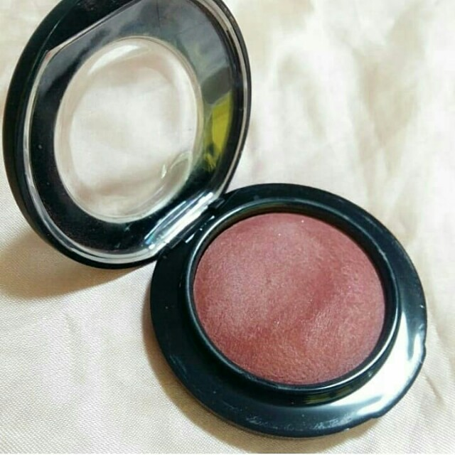 MAC mineralize blush gleeful