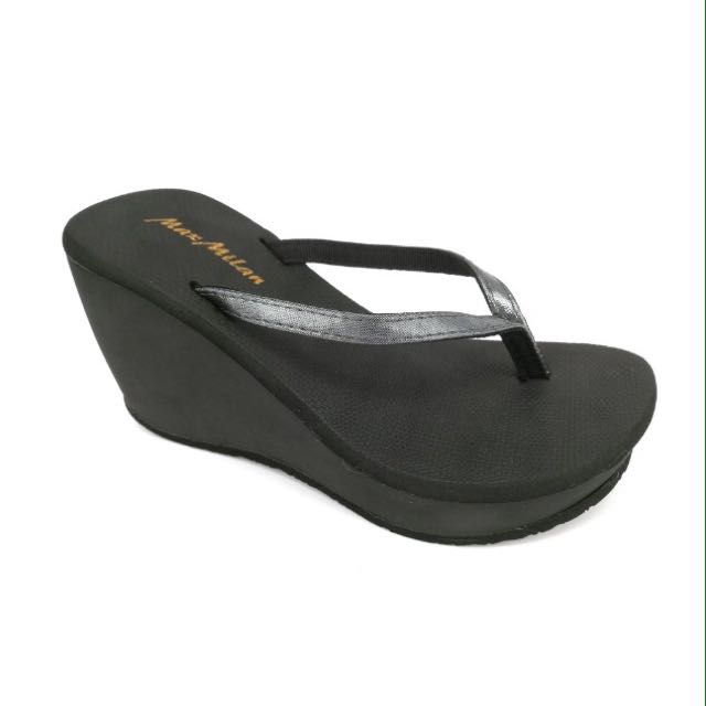 Maxmilan wedge sandals