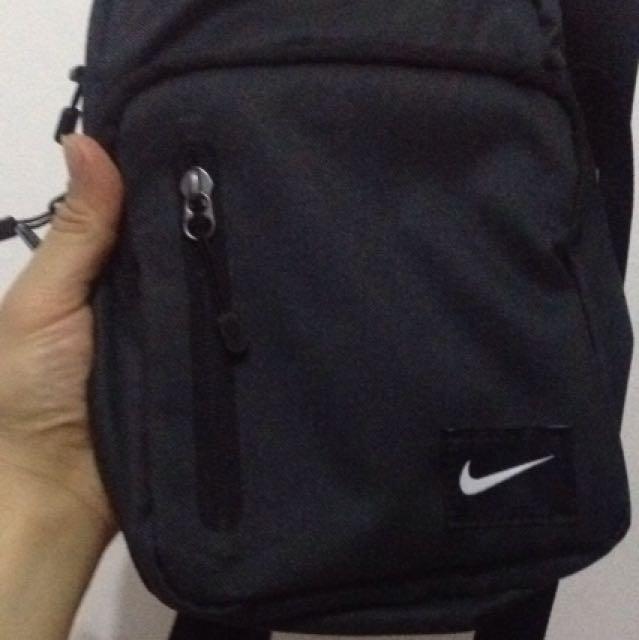 ORIGINAL NIKE SLING BAG fa16c2770a72