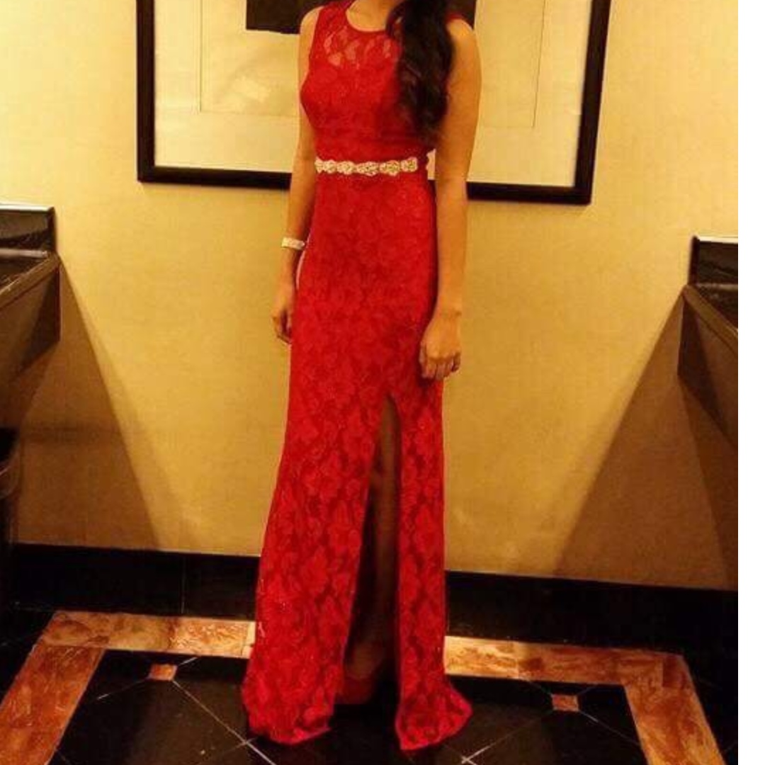 Red Gown For Rent, Preloved Women\'s Fashion, Clothes on Carousell