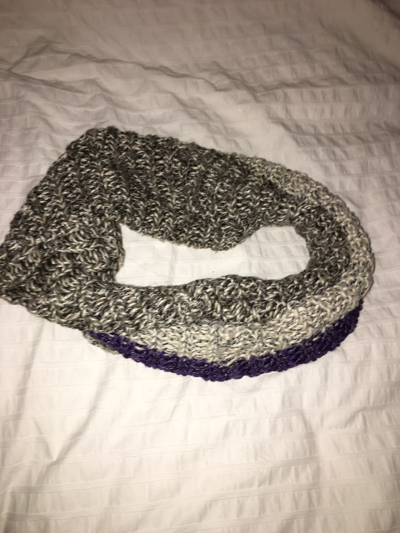 Roots infinity scarf