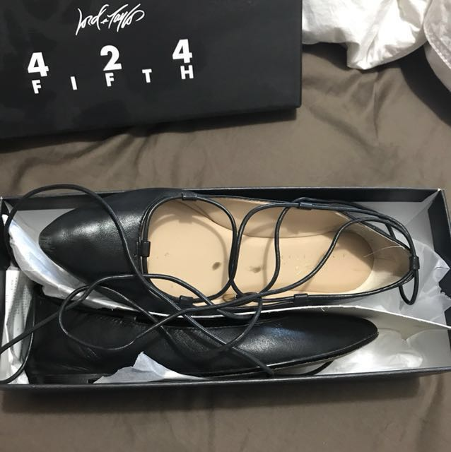 Size 5.5 LORD & Taylor flats