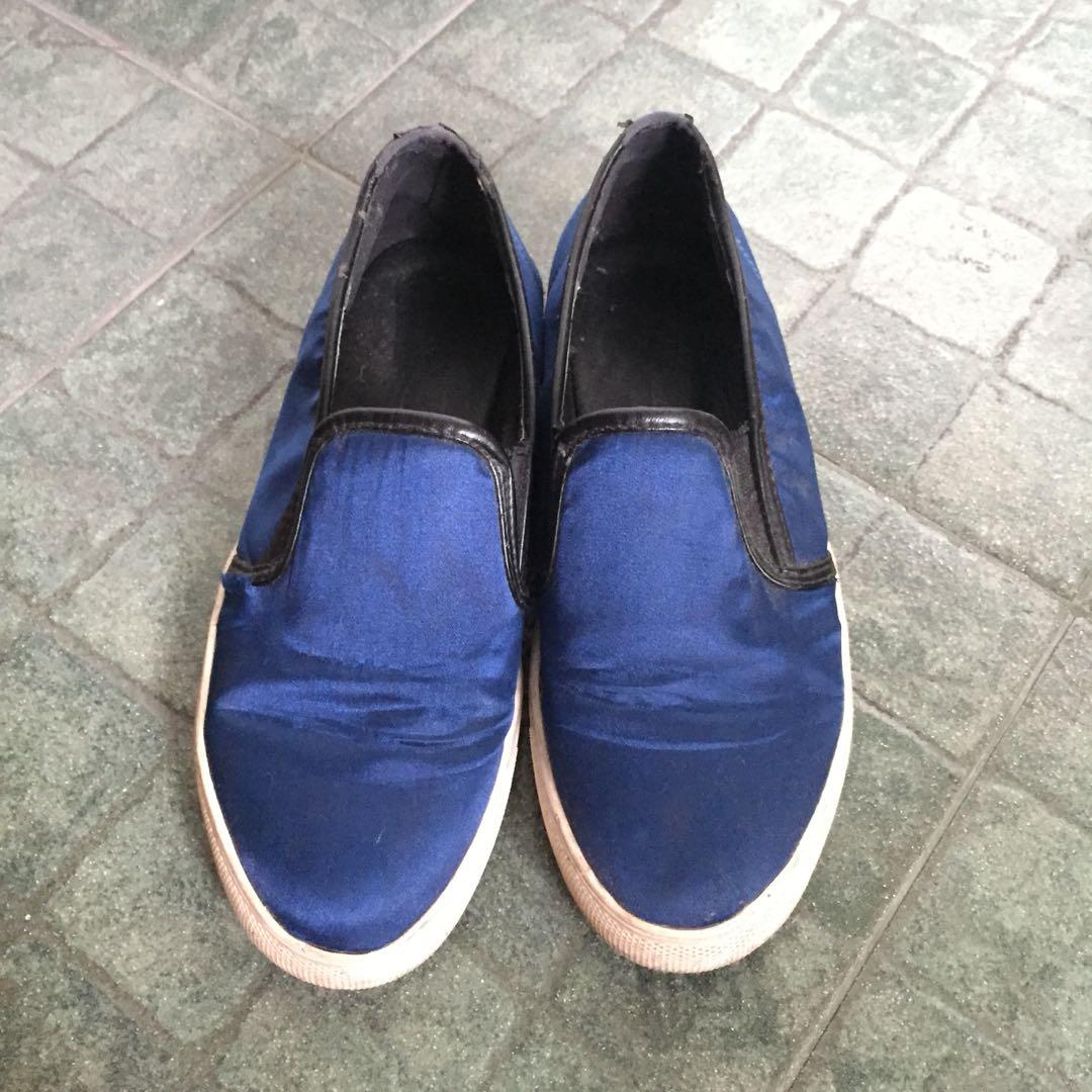 SOMETHING BORROWED Blue Slipon Sneakers