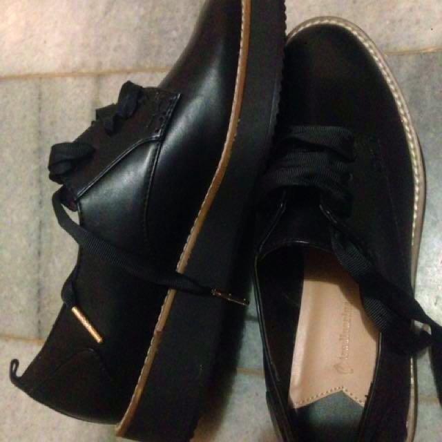Stradivarius Brogues Black Shoes