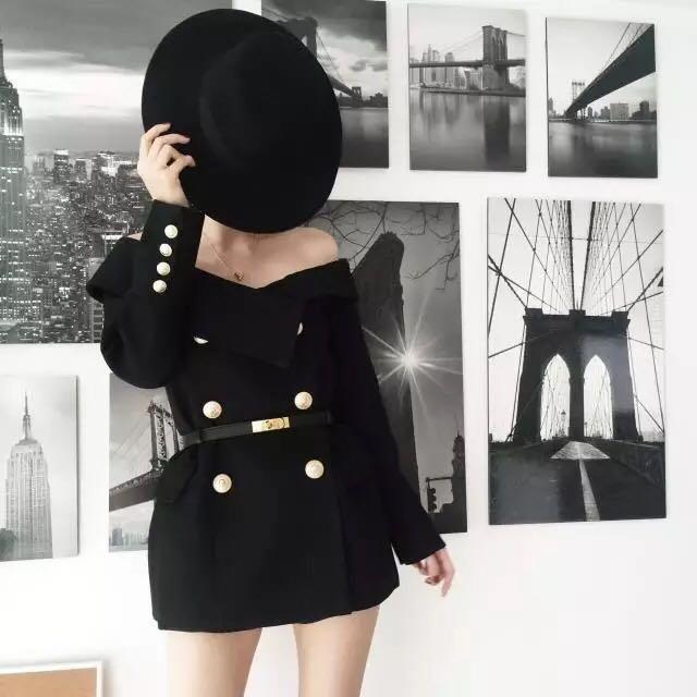 Trendy off the shoulder blazer black