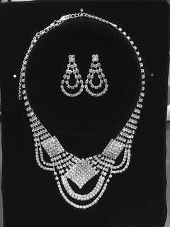 頸鏈耳環閃石套裝