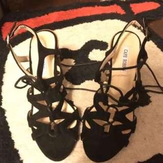 $350 For 2🈹黑色綁帶高跟鞋⬇️