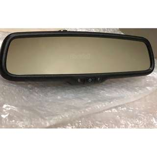 Honda vezel ( OEM ) auto dimming rear view mirror