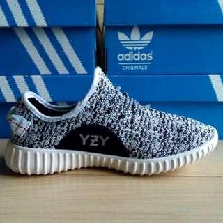 Adidas Yeezy Import Vietnam