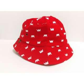 全新 / 紅底白黃冠 造型漁夫帽