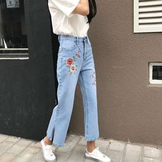 (PO) Embroidery Flowers Jeans