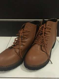 Winter shoes / Boots