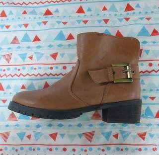 棕色皮製短靴(降價)