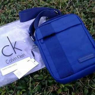 LIMITED AUTHENTIC CALVIN KLEIN CROSS BODY BAG