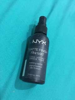 Setting spray matte NYX