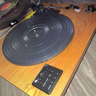 **50% OFF** Classic Wooden Belt Driven Bluetooth Turntable