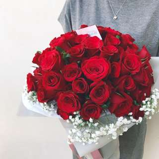 99 red roses large bouquet