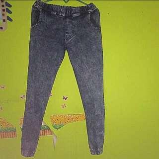 Celana jeans jogger