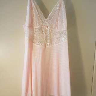 La Vie en Rose lace Nightie