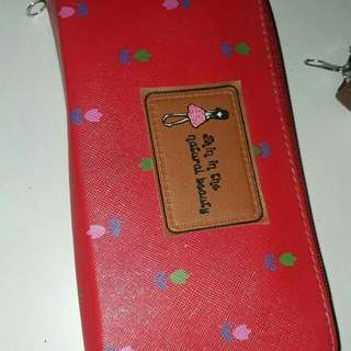 dompet red