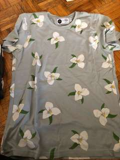 Drake General store Ontario flower shirt