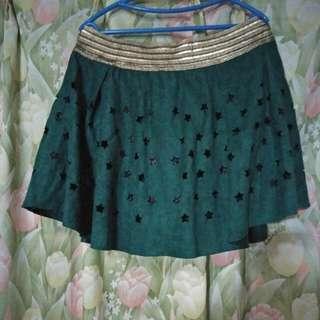 Cute green skirt