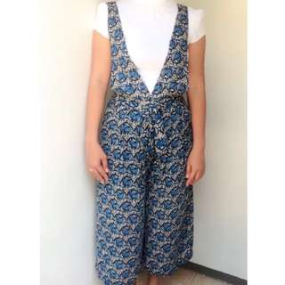 Jumpsuit.. inner not include, used once