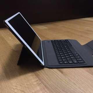 (全新)iPad Pro 機殻連keyboard (送mom 貼)
