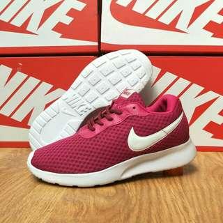 Sepatu Nike tanjun
