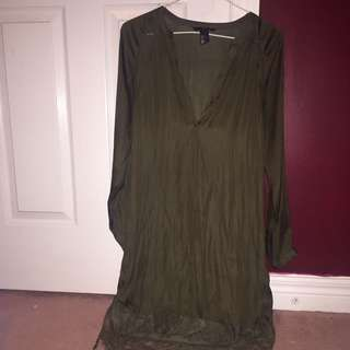 H&M SATIN FOREST GREEN DRESS